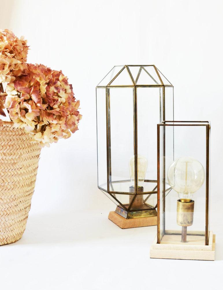 lampe en verre d couvrez cette lampe en verre m tal et bois. Black Bedroom Furniture Sets. Home Design Ideas