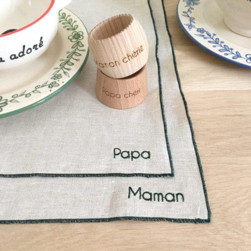 Set de table bourdon brodé Papa, Maman